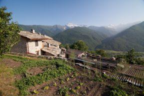 Agriturismo con orto in valle Pellice